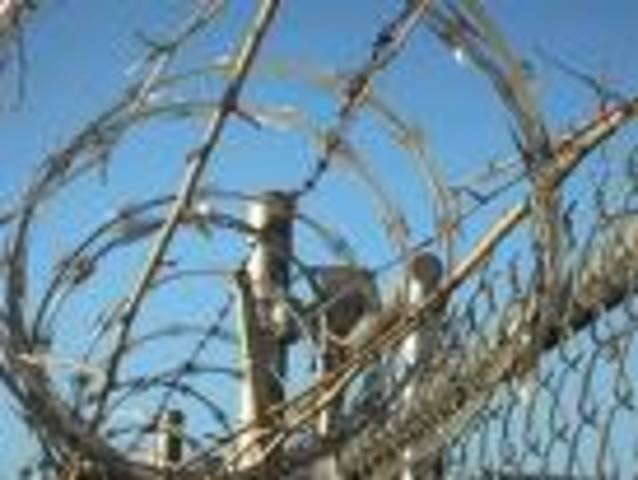 Joseph Glidden invents barbed wire.