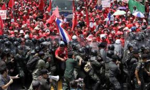 People Protest no School