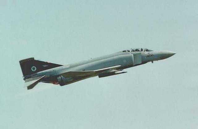 74 Sqn. replace their Phantom F4J's for Phantom FGR2's