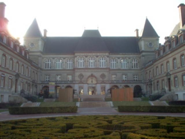 Piaget: Profesor de Psicología Genética, Sorbonne, París.