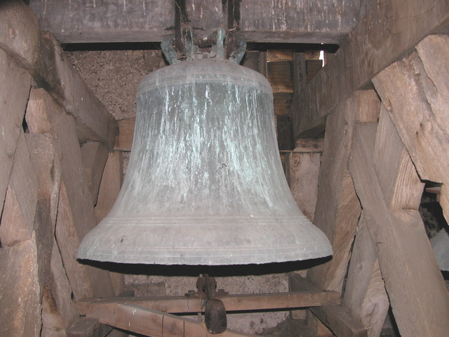 aprx. Tenor Bell in the Church cast.