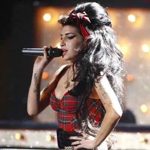 nace Amy Winehouse