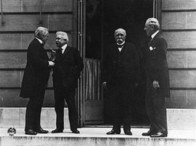 Unterzeichnung der Friedensverträge (Versailles, Saint-Germain, usw.)
