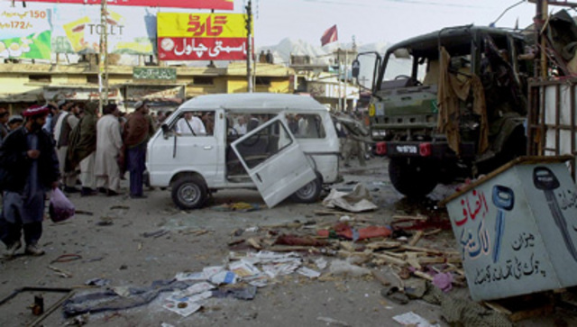 """<a href=""""http://www.nytimes.com/2004/12/11/international/asia/11pakistan.html"""" rel=""""nofollow""""> A bomb attack on an army truck</a> kills 10 people in Quetta."""