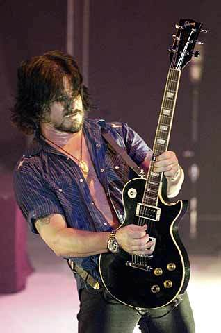 Gilby Clarke's first live show with the band