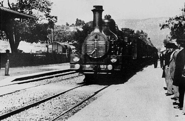 La arribada d'un tren a l'estació de Ciotat
