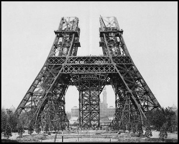 Montaje de los pilares por encima del primer piso