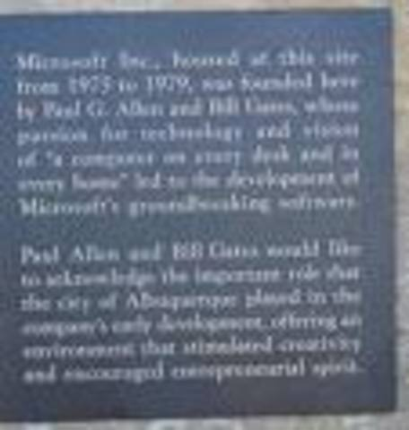 Bill Gates sets up microsoft in the MITS Headquarters
