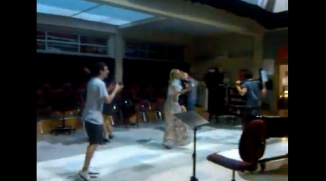 Amber Riley posts a video of Dianna with other Glee cast