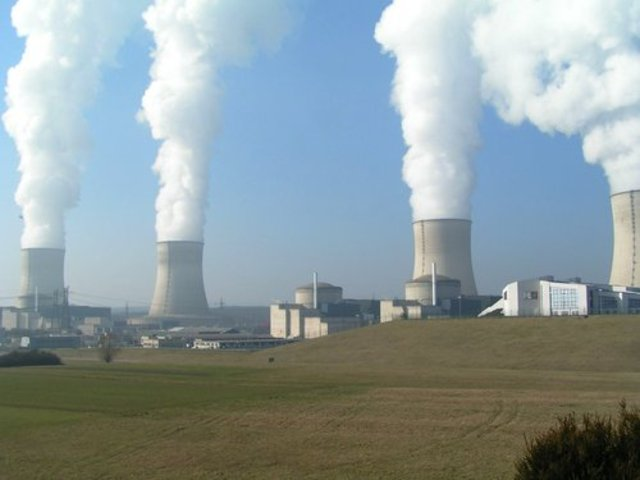 1st Commercial Nuclear Power Plant