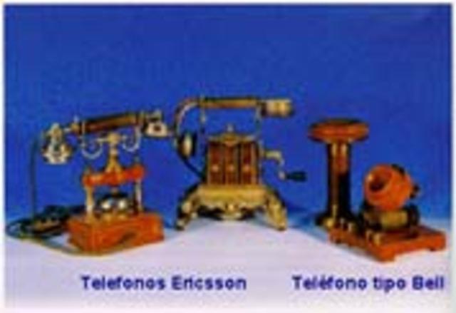 El teléfono fue creado conjuntamente por Alexander Graham Bell y Antonio Meucci.