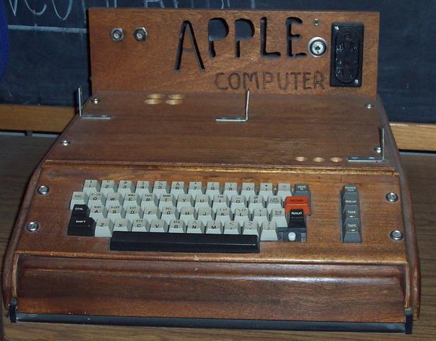 Aparicion de Apple 1