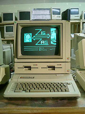 Nace Apple II