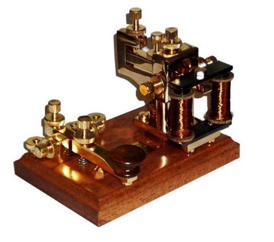 El telegrafo fue inventado por el estadounidense Samuel Morse.