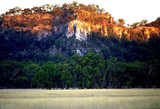 mount moffatt (carnarvon national park)