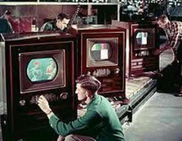 CBS tv broadcasted the first colored tv programs