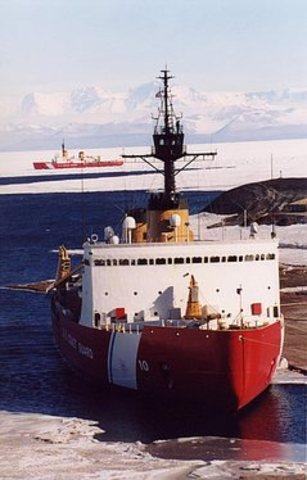 MACMILLAN GIVES UP POLAR SEA FLIGHT