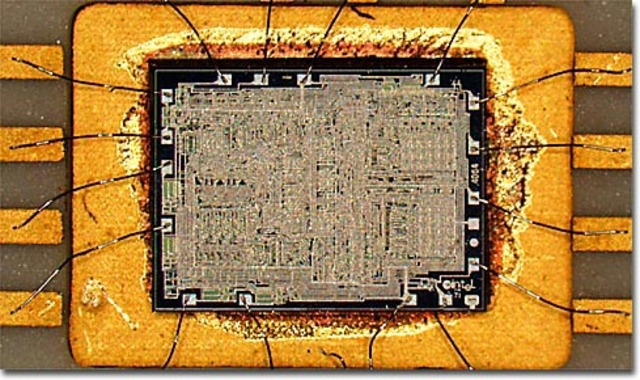 Intel 4004 (i4004)