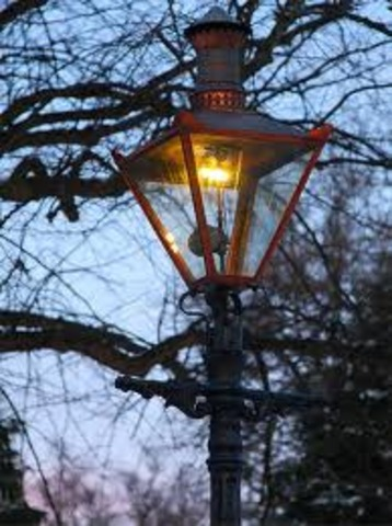 The first gas street lamp powered by coal is in Baltimore, Maryland