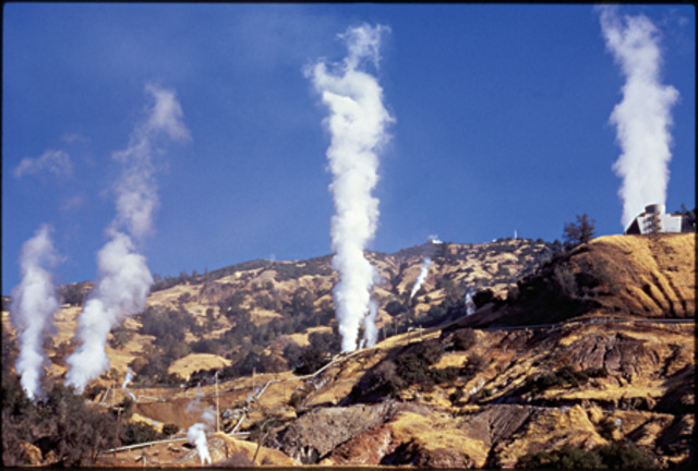 PG&E opens the first geothermal power plant at The Geysers