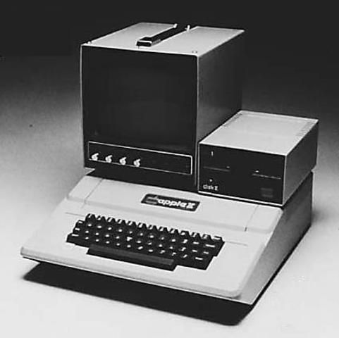 Steve Jobs y Steve Wozniac lanzan el Apple II