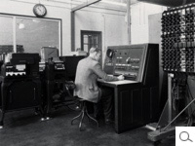 Large-scale digital calculation machinery