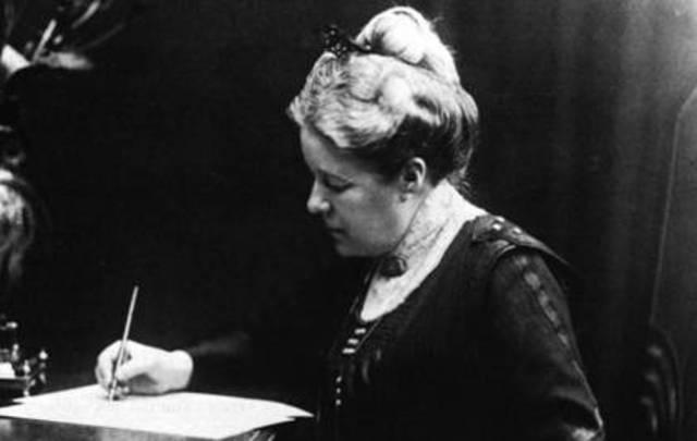 """Selma Lagerlöf ger ut sin första roman, """"Gösta Berlings saga"""""""