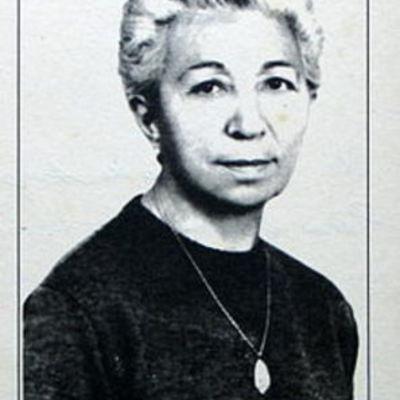Angela Figuera timeline