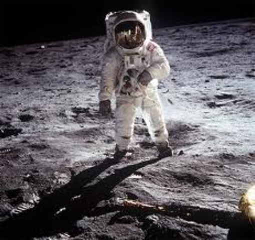 The moon landing - Neil Armstrong sets foot on the moon