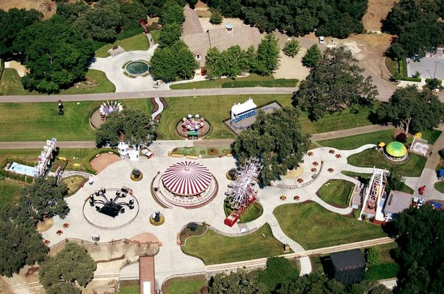he bought neverland ranch