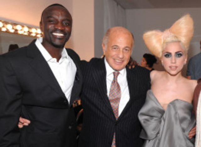 Lady Gaga started to write song for Interscop fecords.