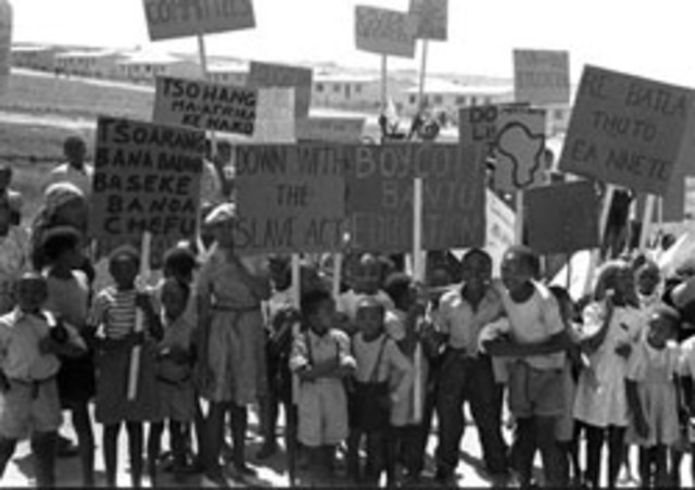 (PDF) Bantu Education: Apartheid ideology or labour ...