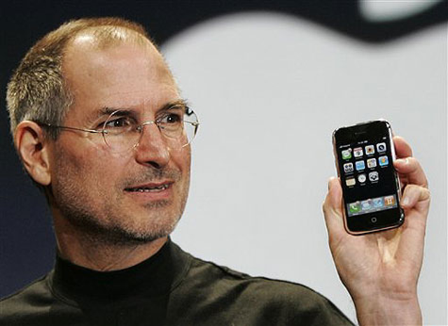 Jobs anuncia el iPHONE