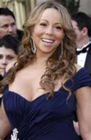 Mariah Carey sings for the first time and beacomes a star