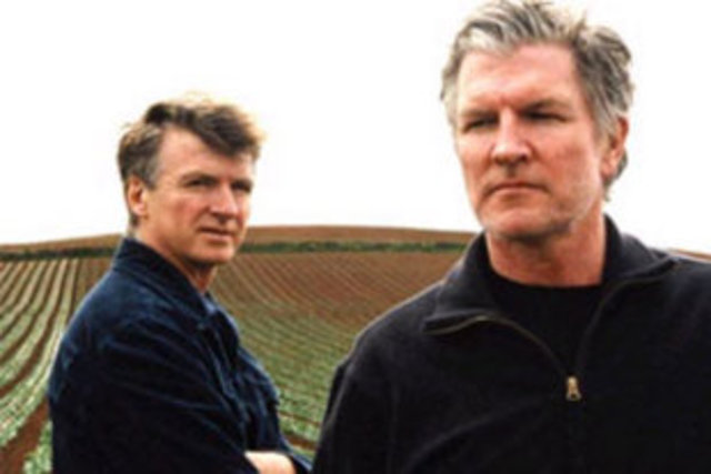 The Finn Brothers recognised for their contribution to NZ music
