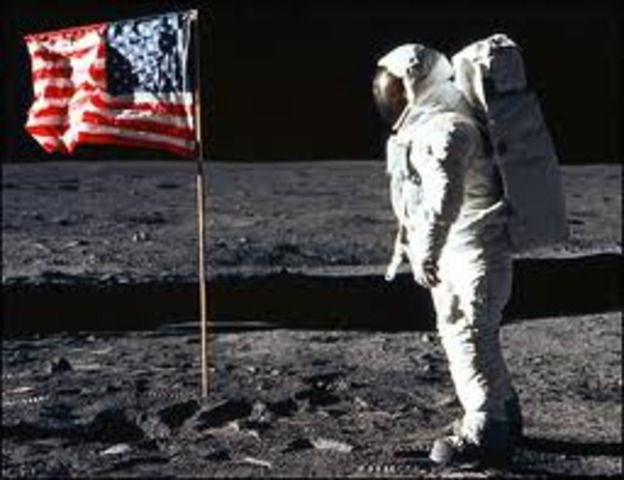 first manned moon landing date - photo #9