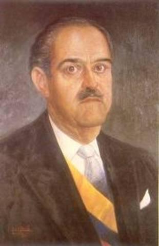 """Durante el gobierno de Guillermo León Valencia (1962–1966), segundo presidente del Frente Nacional, y ante la preocupación por la existencia de algunas de las llamadas """"repúblicas independientes"""" al interior del país, el presidente ordenó al ejército some"""