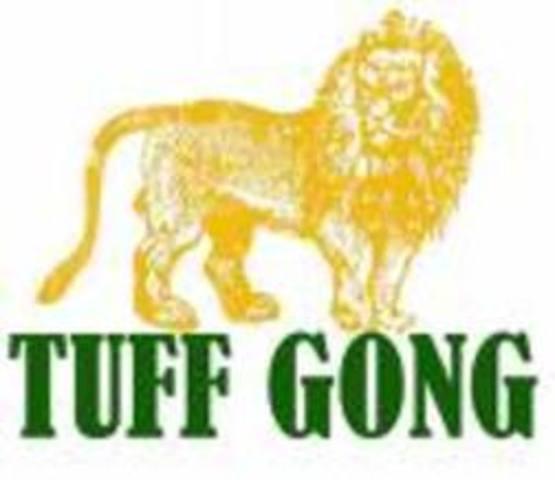 Es va crear discografica Tuff Gong