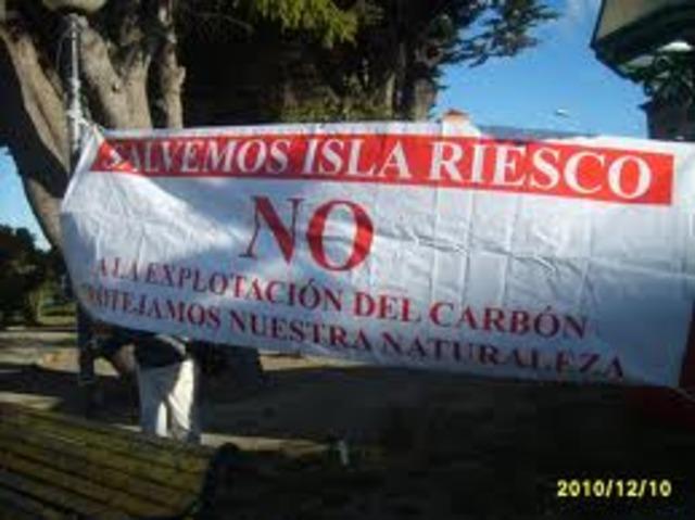 Frente Ecológico reúne firmas contra Minera Isla Riesco