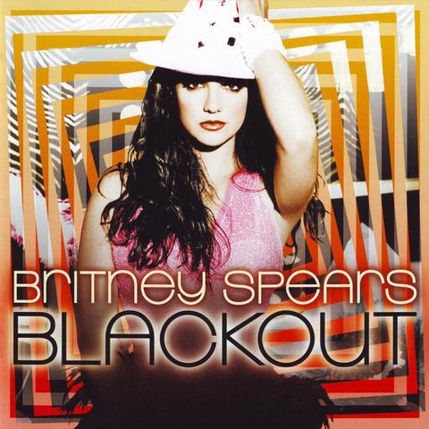 lanzamiento Blackout en la gala MTV Video Music Awards