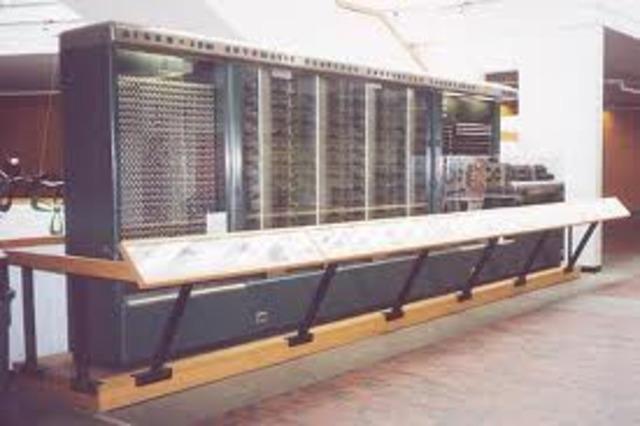 Grace Hopper becomes the programmer on the Harvard Mark 1