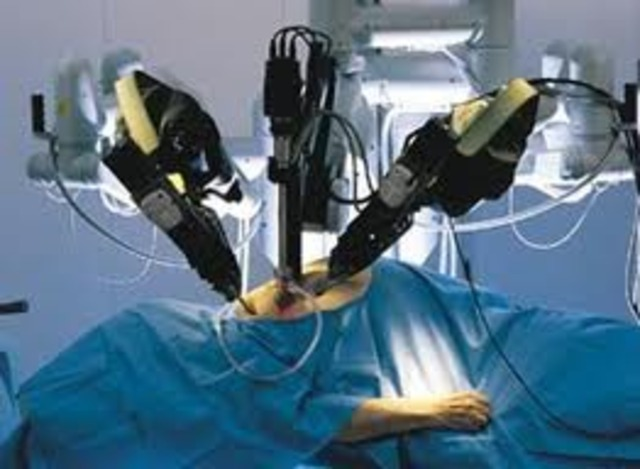 The first all-robotic surgery is performed at Montreal Hospital