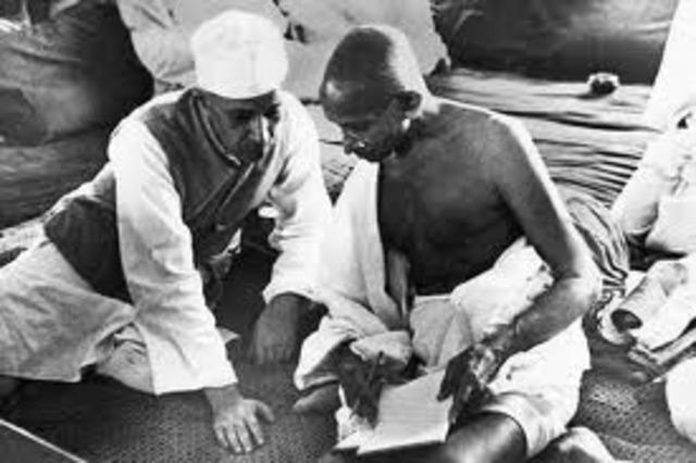 Gandhi sails to England