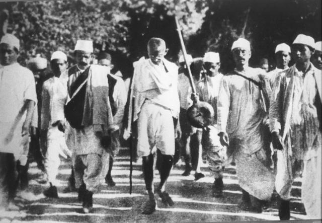 Gandhi organizes protest