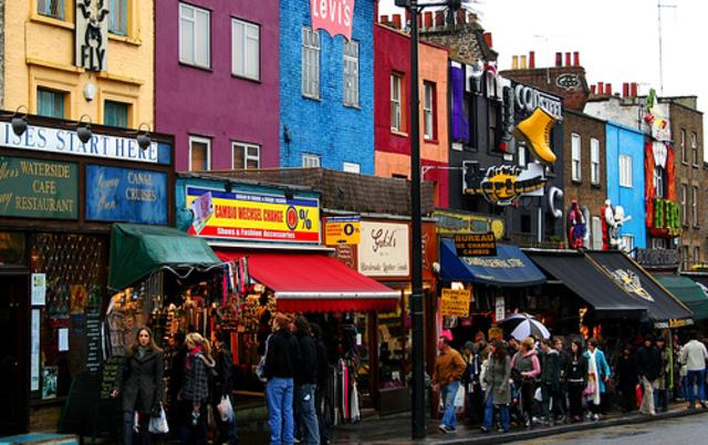 En 1960 comezó el Mercado de Portobello en Notting Hill, Londres.
