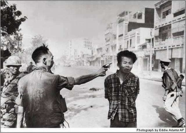 Eddie Adams. Execution of a Viet Cong Guerrilla, 1968