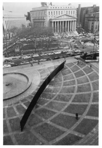 Richard Serra. Tilted Arc, 1981