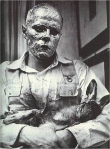 Joseph Beuys. How to Explain Pictures to a Dead Hare, 1965