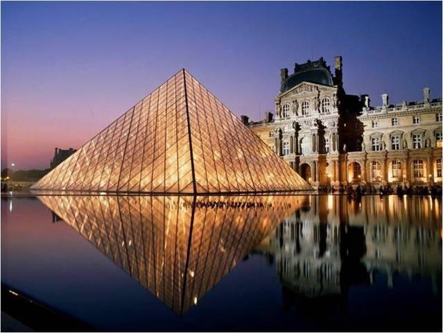 I. M. Pei. Pyramide de Louvre, 1989