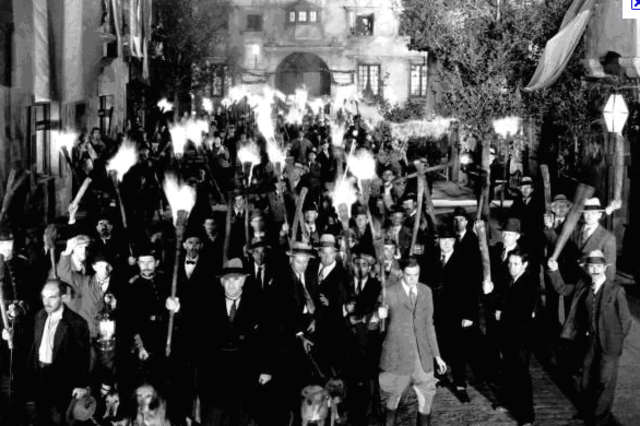 St. Louis white mob attacks blacks.